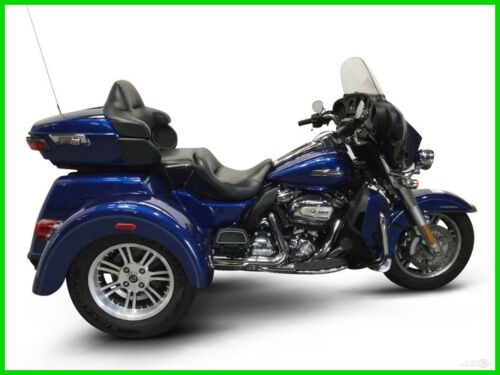 2017 Harley-Davidson FLHTCUTG TRIGLIDE ULTRA CLASSIC CALL (877) 8-RUMBLE Blue photo