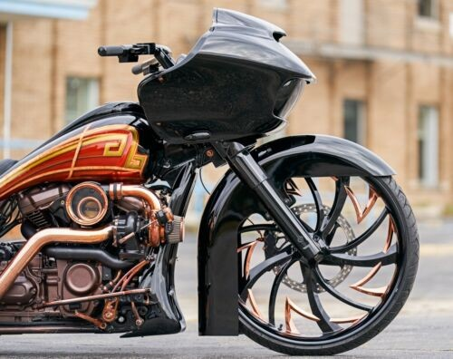 2017 Harley-Davidson Touring black and copper photo