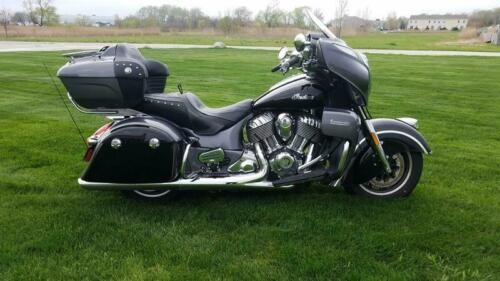 2017 Indian Roadmaster® Steel Gray Over Thunder Black -- Black photo