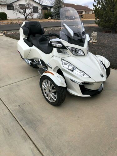 2018 Can-Am SPYDER LIMITED B9JA White photo