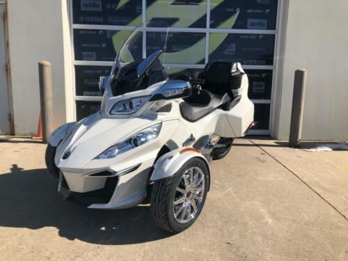 2018 Can-Am Spyder RT Limited -- White photo