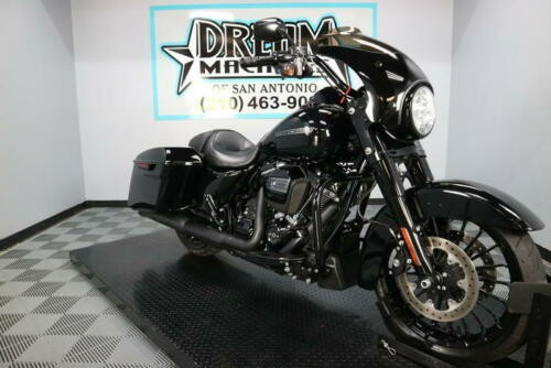 2018 Harley-Davidson FLHRXS - Road King Special -- Black photo