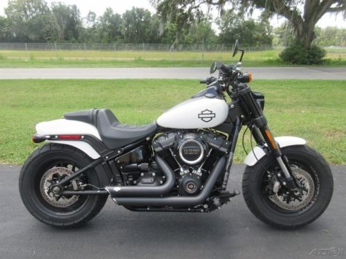2018 Harley-Davidson Softail Fat Bob® White photo
