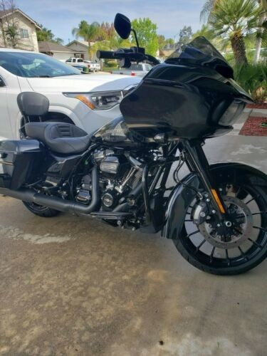 2018 Harley-Davidson Touring Black photo
