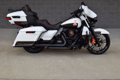 2018 Harley-Davidson Touring WHITE photo