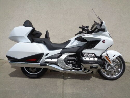 2018 Honda Gold Wing Pear White photo