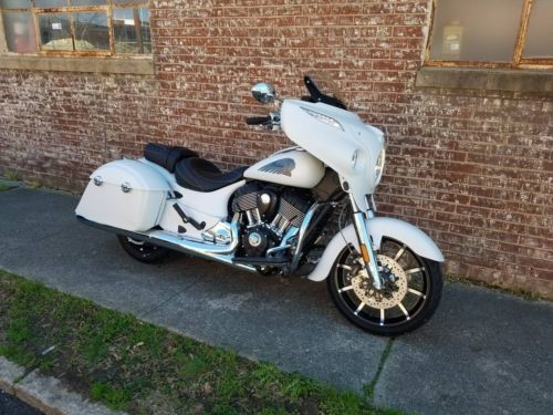 2018 Indian Chieftain® Limited ABS -- White photo