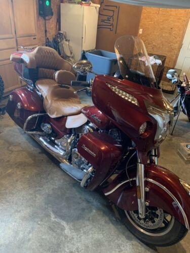 2018 Indian Roadmaster Burgundy photo