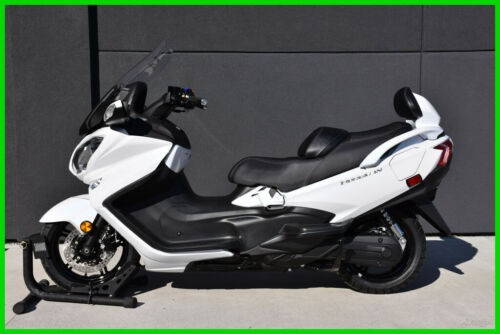 2018 Suzuki Burgman 650 - AN650ZL8 White photo