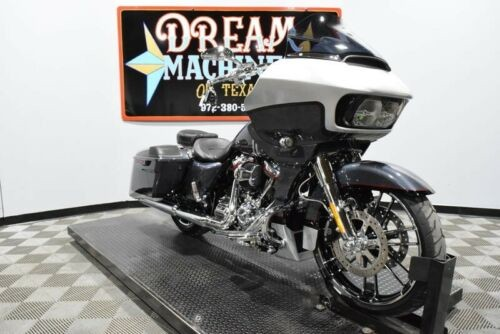 2019 Harley-Davidson FLTRXSE - Screamin Eagle Road Glide CVO -- Silver photo