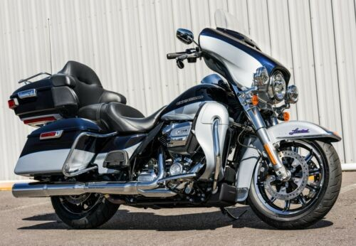 2019 Harley-Davidson Touring Midnight Blue/Barracuda Silver photo