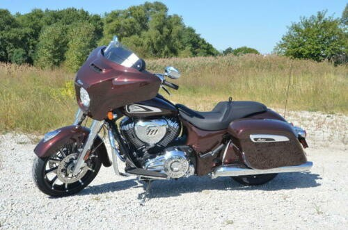 2019 Indian Chieftain® Limited Dark Walnut -- DARK WALNUT photo