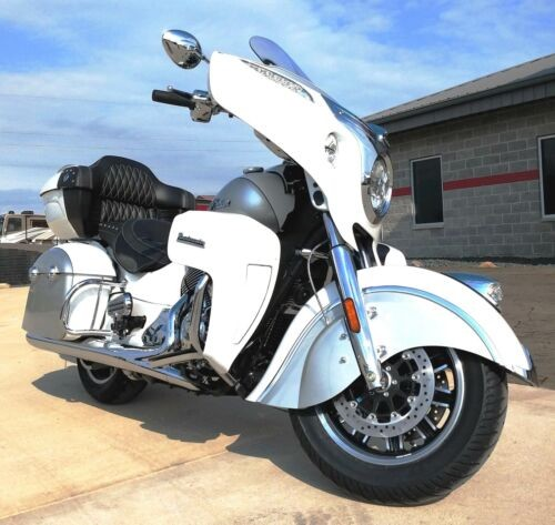 2019 Indian Roadmaster® ABS -- Silver photo