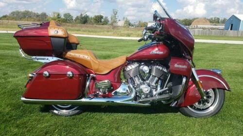 2019 Indian Roadmaster® Burgundy Metallic -- Burgundy photo