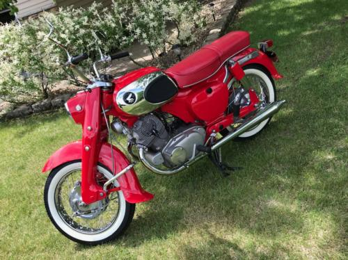 1966 Honda Dream 305 Red photo