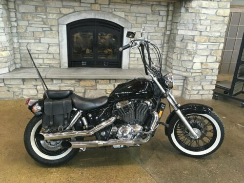 1995 Honda Shadow SHADOW 1100 Black photo