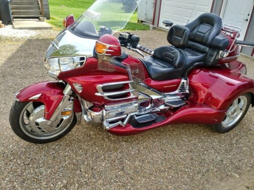 2003 Honda Gold Wing Burgundy photo