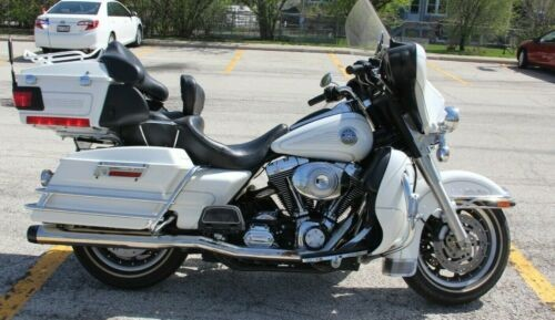 2004 Harley-Davidson Touring White photo