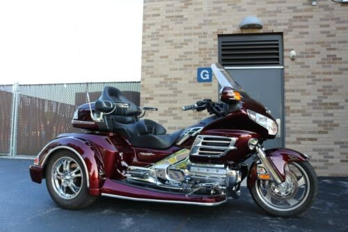 2008 Honda Gold Wing Burgundy photo