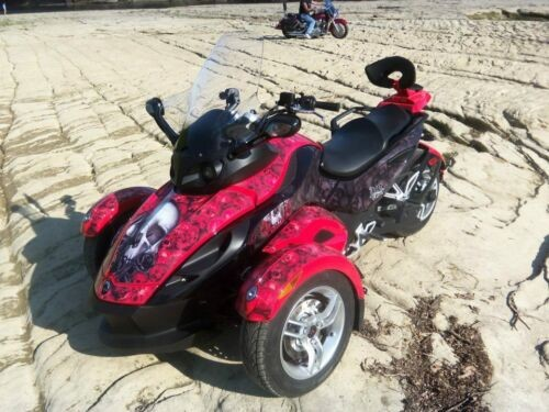 2009 Can-Am Spyder Roadster SM5 -- Red photo