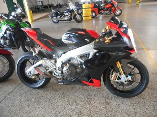 2010 Aprilia RSV FACTORY 1000 Red photo