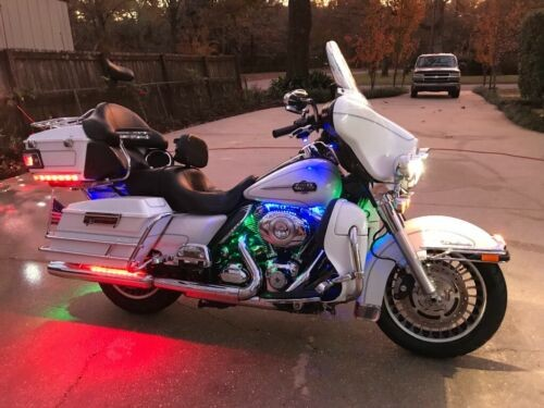 2012 Harley-Davidson Touring White photo