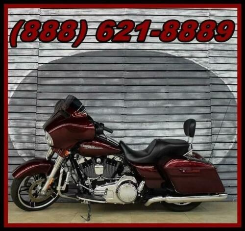2014 Harley-Davidson Street Glide -- Red photo