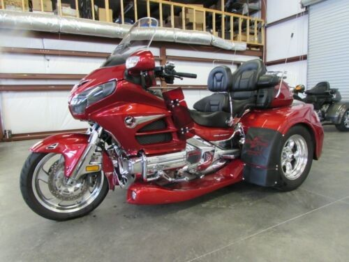 2014 Honda Gold Wing RED photo