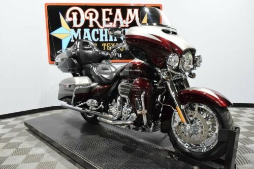 2015 Harley-Davidson FLHTKSE - Screamin Eagle Limited CVO -- Silver photo