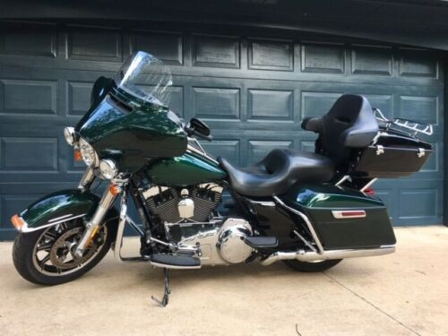 2015 Harley-Davidson Touring Green photo