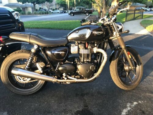 2016 Triumph Bonneville Black photo