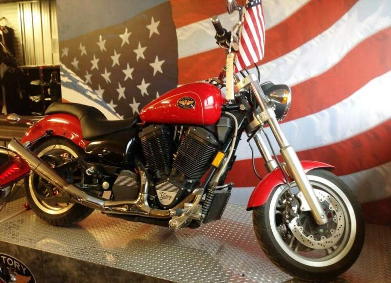 2000 Victory V92 Red used for sale