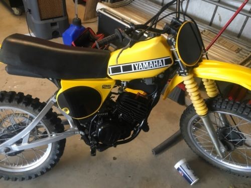 1978 Yamaha YZ125 Yellow photo