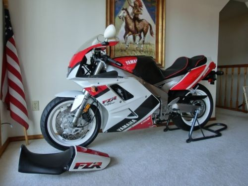 1992 Yamaha FZR EXUP Delta Box Genesis 1000 white red black for sale craigslist
