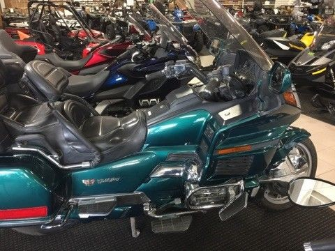 1995 Honda Gold Wing GREEN photo