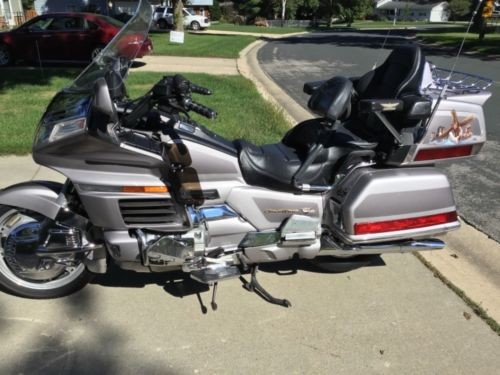 1998 Honda Gold Wing Two tone silver for sale