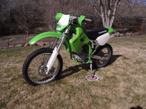 2000 Kawasaki KLX Green photo