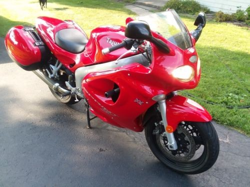 2000 Triumph Sprint Red for sale