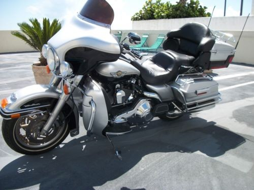 2003 Harley-Davidson Touring Silver for sale