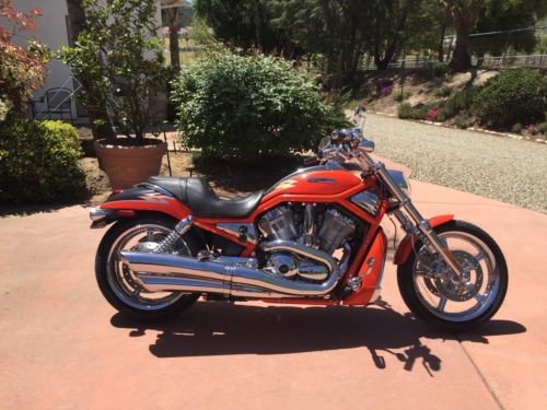 2005 Harley-Davidson VRSCSE MODEL Orange for sale