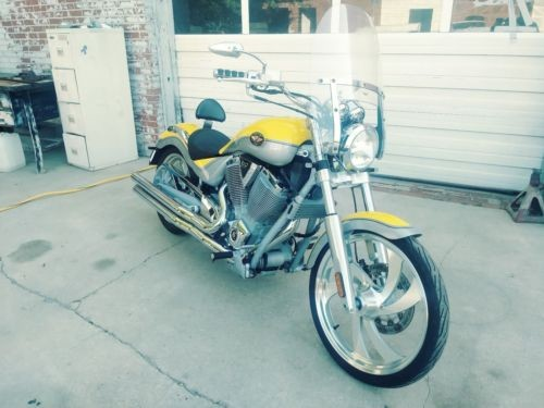 2006 Victory VICTORY VEGAS YELLOW/SILVER craigslist