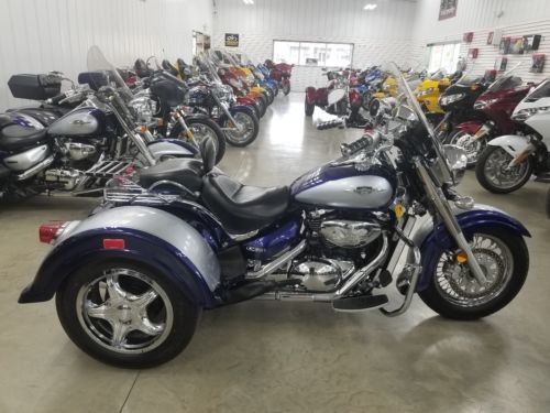 2008 Suzuki Boulevard Blue / silver for sale