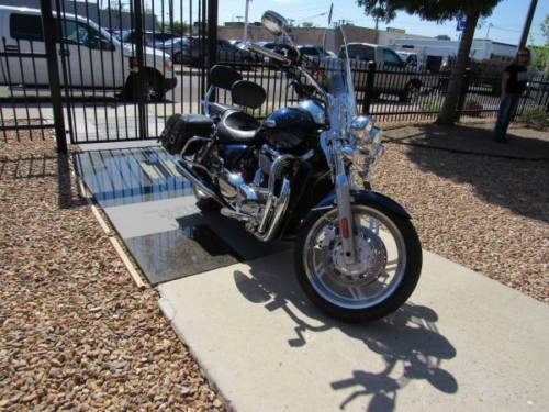 2010 Triumph Thunderbird Blue for sale
