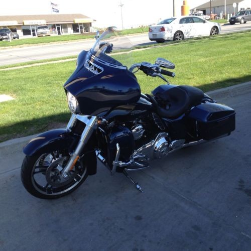 2014 Harley-Davidson Touring BIG BLUE PEARL for sale