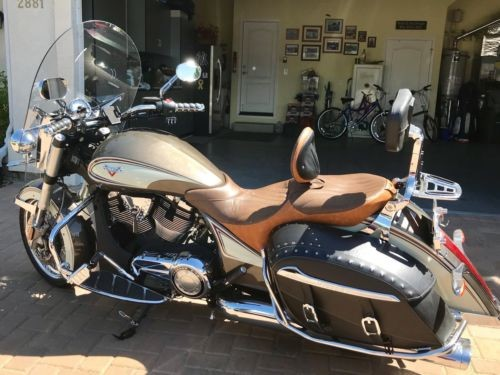 2014 Victory Cross Roads Classic two tone for sale craigslist