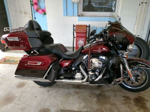 2015 Harley-Davidson Touring Burgundy photo