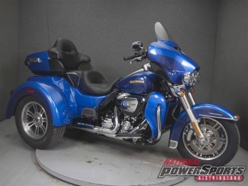 2017 Harley-Davidson FLHTCUTG TRIGLIDE ULTRA CLASSIC SUPERIOR BLUE for sale