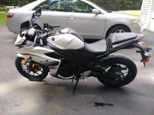 2017 Yamaha YZF Black/White for sale