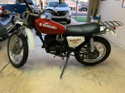 1976 Suzuki TS 250 Savage red/white for sale