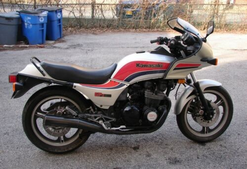1984 Kawasaki ZX550 Silver/red/blue for sale